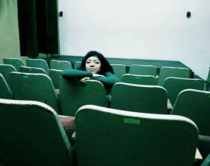 DELEGADA DEL JURADO JOVEN: Virginia Rico es historiadora y gestora cultural, ha desarrollado varios proyectos vinculados con el cine en la ciudad de Morelia, dentro de la organización OJO LIBRE. Ha colaborado con el Festival de Morelia, Ambulante, y coordinado charlas, talleres y ciclos de cine, todo desde una mirada reflexiva y crítica, que procura fomentar la retroalimentación y el diálogo. Así mismo, ha impartido charlas en la Cineteca Nacional, en la UNAM, entre otros foros. Actualmente estudia la maestría en historia del cine mexicano en la Universidad Michoacana. Virginia es parte del comité de programación de Hecho en Durango.